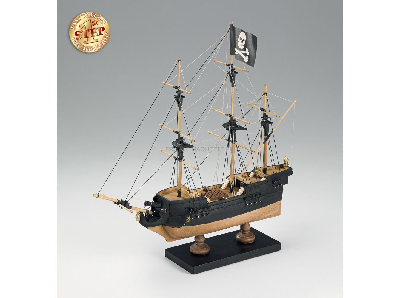 maquette bois bateau pirate 1 135 amati 600 01. Black Bedroom Furniture Sets. Home Design Ideas
