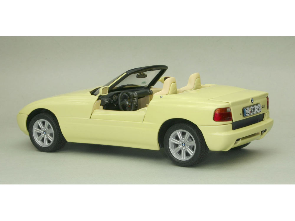 maquette de voiture bmw z1 1 24 revell 07361. Black Bedroom Furniture Sets. Home Design Ideas