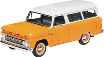 Maquette de voiture de collection : 66 Chevy Suburban - 1/25 - Revell 14409