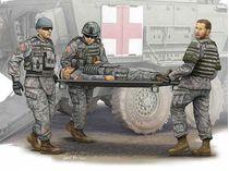 Figurines militaires : équipe médicale avec civière - Armée US - 1:35 - Trumpeter 00430