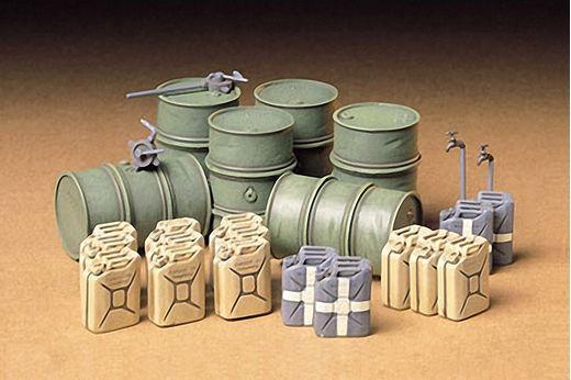 Figurines militaires : Set de bidons allemands de carburant - 1/35 - Tamiya 35186 - france-maquette.fr