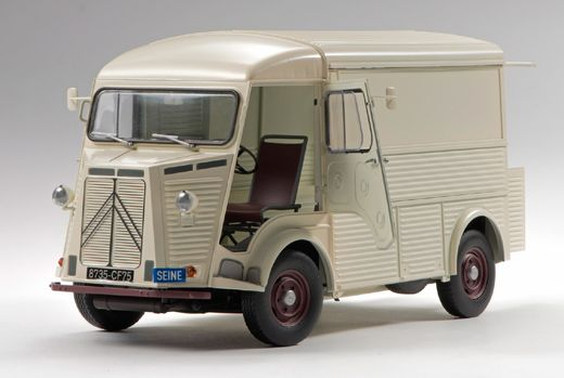Maquette voiture de collection : Camionnette Citroën H - 1/24 - Ebbro 25007