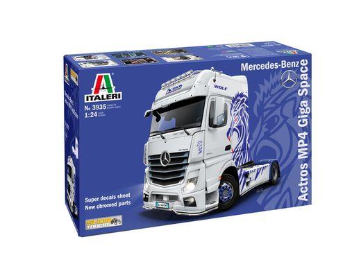 Maquette voiture : Mercedes Actros MP4 - 1:24 - Italeri 03935 3935