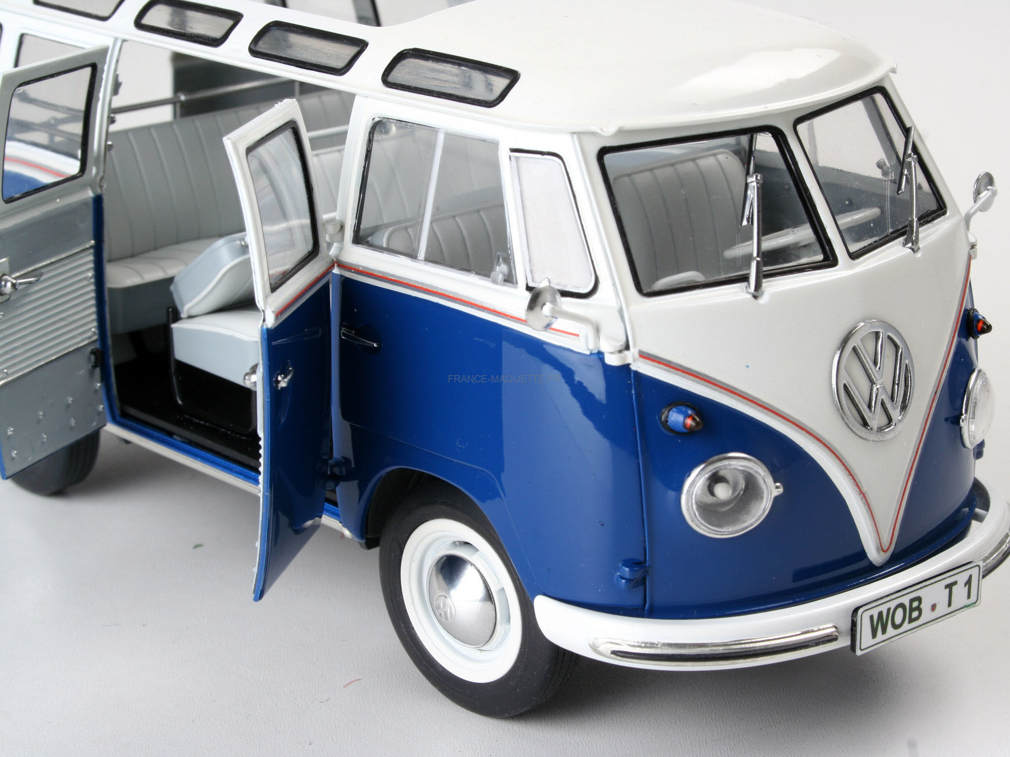 maquette bus bus volkswagen t1 samba 1 24 revell. Black Bedroom Furniture Sets. Home Design Ideas