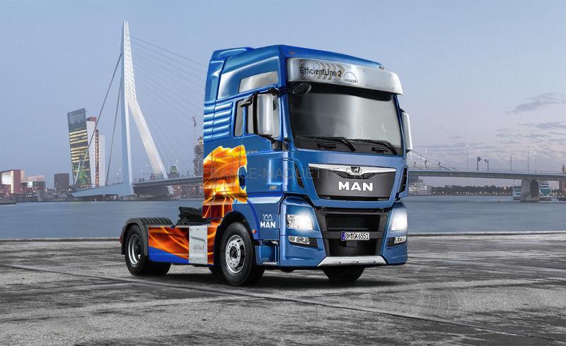 italeri 03916 maquette camion man tgx xxl euro 6. Black Bedroom Furniture Sets. Home Design Ideas
