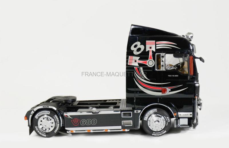 maquette camion man tgx xlx 1 24 italeri 03895. Black Bedroom Furniture Sets. Home Design Ideas